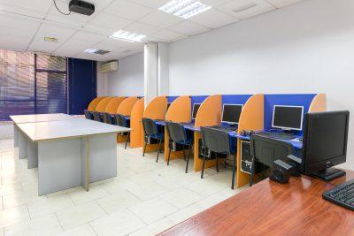 Aulas con equipos informáticos