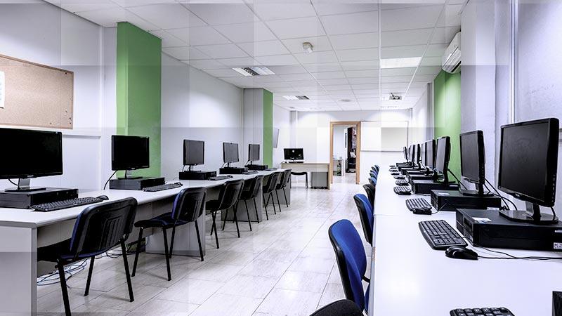 Alquiler de aulas y espacios compartidos