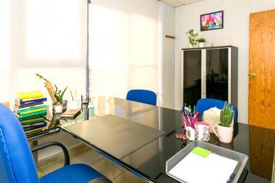 Oficina climatizada, con internet y telefono